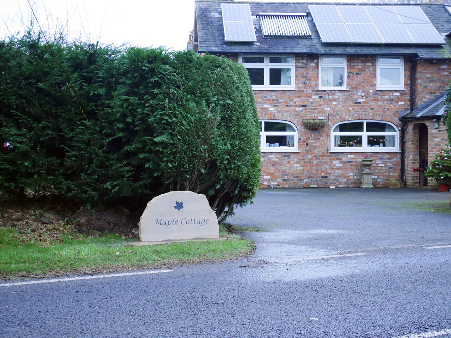 freestanding yorkshire stone house sign engraved with text maple cottage  thumbnail 01e640377a3e