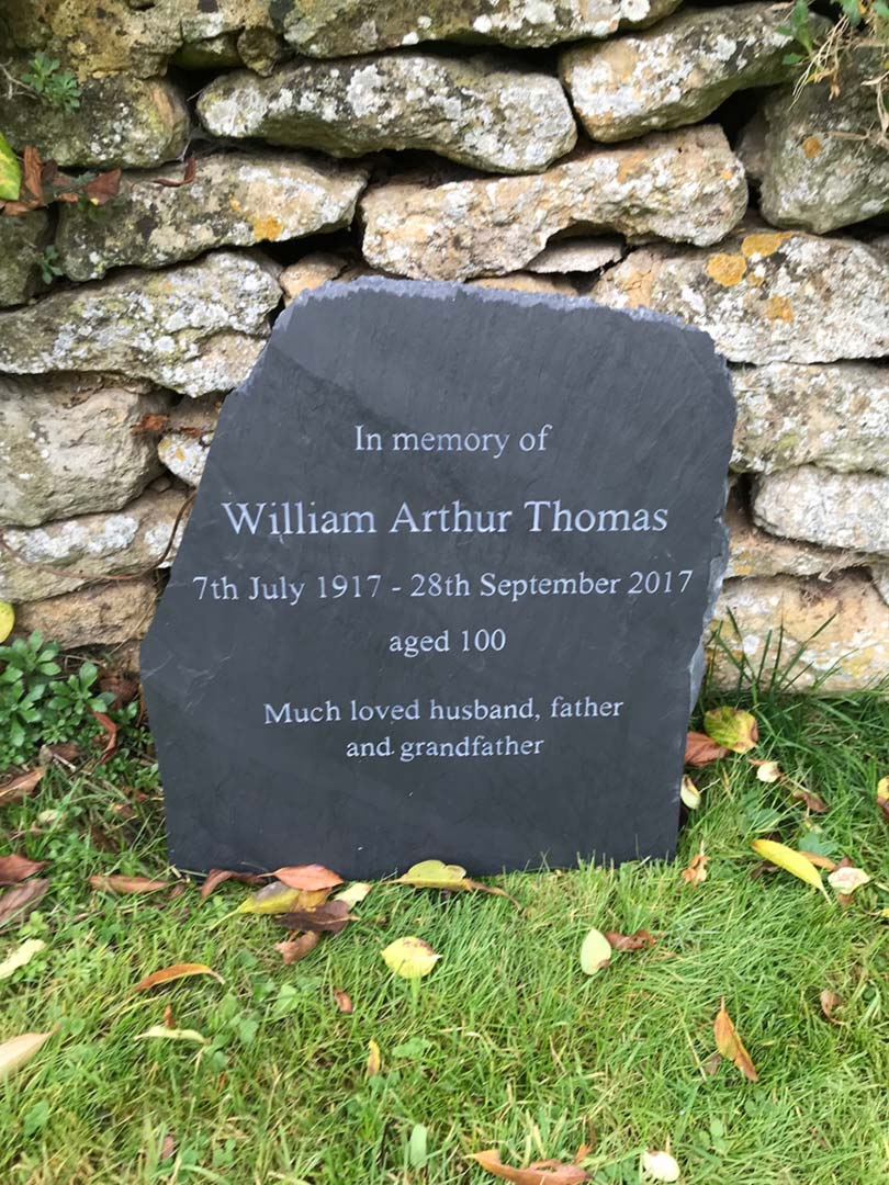 memorial plaques for gardens uk garden ftempo. Black Bedroom Furniture Sets. Home Design Ideas