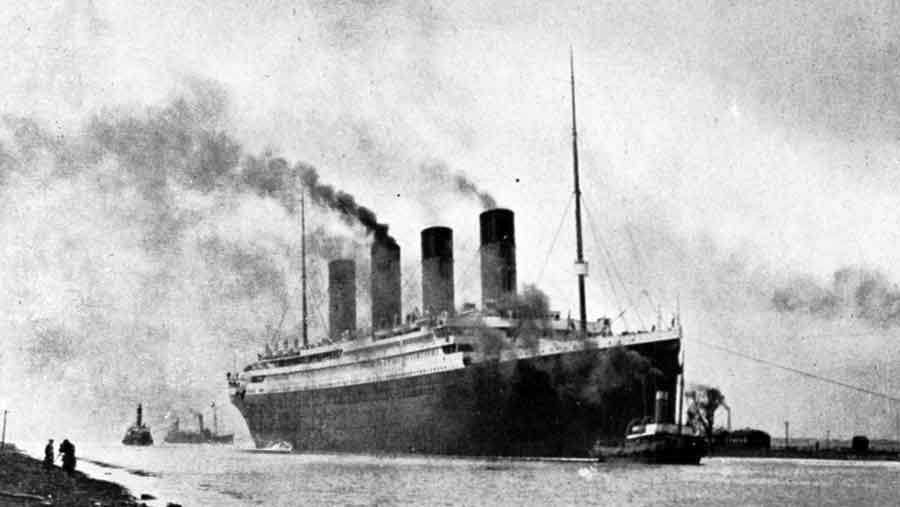 old picture of the RMS Titanic